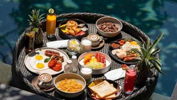 Floating Breakfast - Kemilau Hotel & Villa Canggu, Bali - Fitness Holidays with Travelling Athletes - Fitness Holiday in Bali