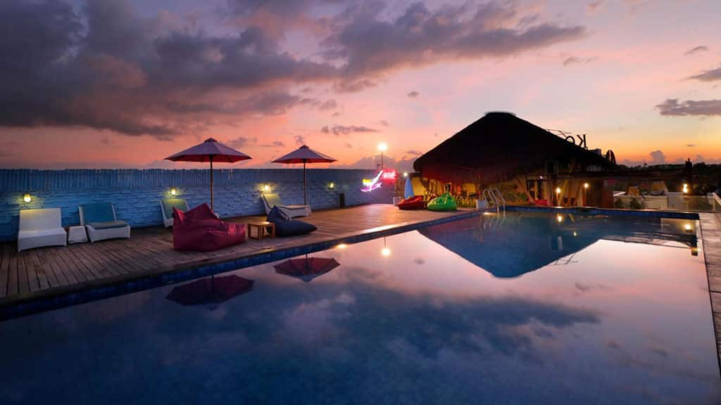 Koa D` Surfer Hotel - Pool by Night - Fitness Holidays in Bali - Fitness Holidays for Travelling Athletes
