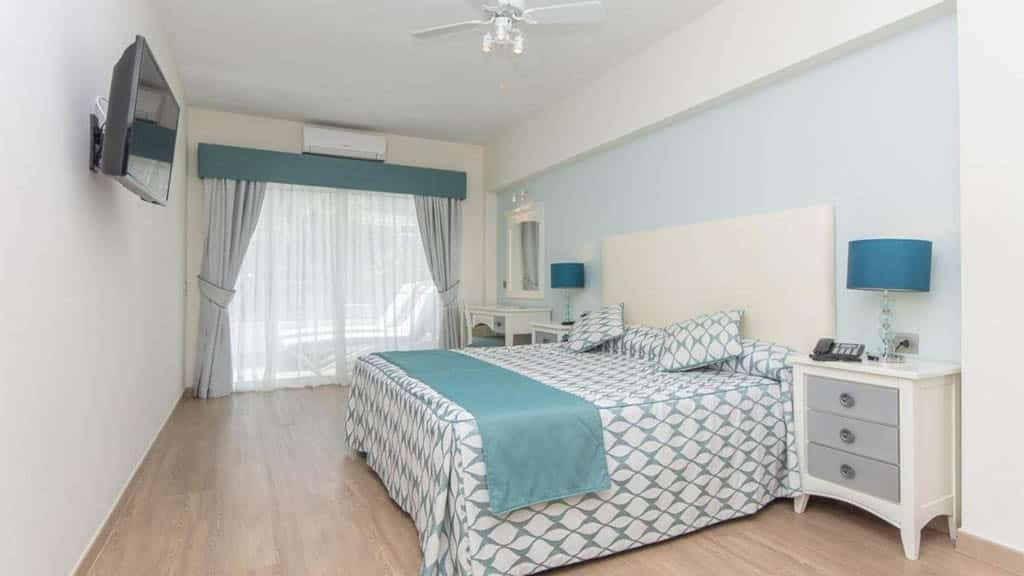 Private Flat / Apartment - 1492 Suites at La Pinta Beach Club - Fitness Holidays in Tenerife - Travelling Athletes