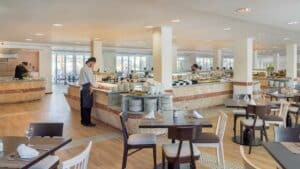 Enjoy a daily breakfast buffet with warm & cold dishes - H10 Casa del Mar - Hotel in Santa Ponsa - Bootcamp Mallorca - Fitness Holidays for Travelling Athletes